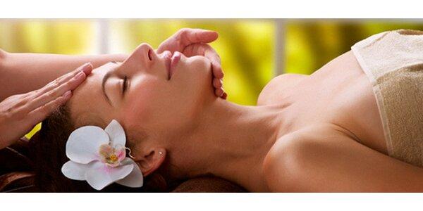 Kokosová masáž nebo havajská masáž Lomi Lomi