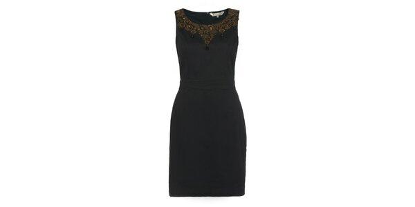 Dámské černé pouzdrové šaty s aplikací Yumi