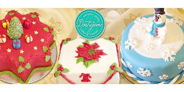 Lahodný domácí dort s vánoční tématikou