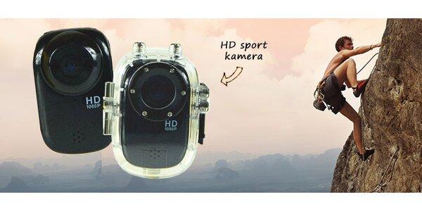 Kompaktní sportovní Full HD kamera s příslušenstvím
