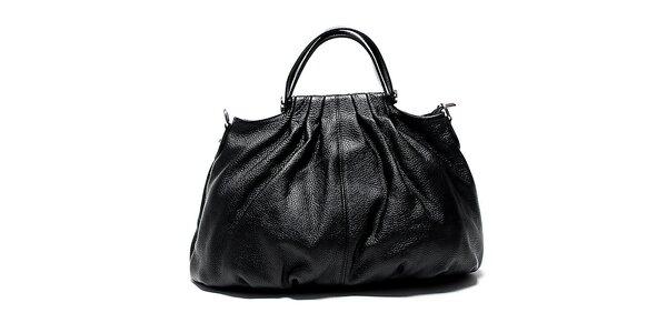 Dámská černá kožená kabelka s řasením Renata Corsi