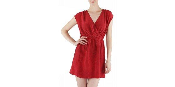 Dámské červené hedvábné šaty Guess