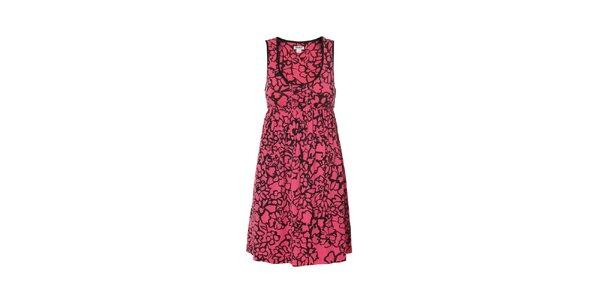 Košilka značky DKNY v růžové barvě se vzorem