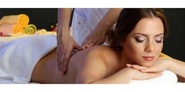 Japonská léčebná masáž nebo klasická masáž zad a šíje