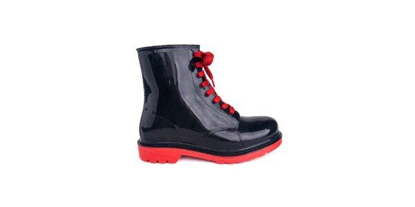 Dámské černé boty s červenými tkaničkami Via Bellucci