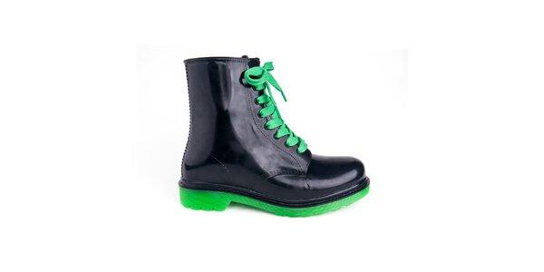 Dámské černé boty se zelenými tkaničkami Via Bellucci
