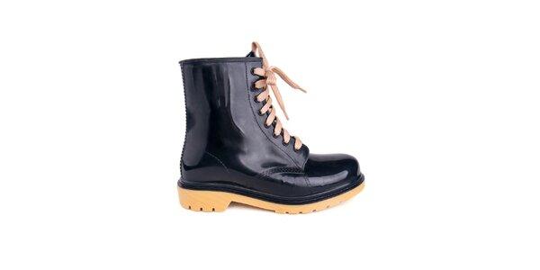 Dámské černé boty Via Bellucci s béžovými tkaničkami
