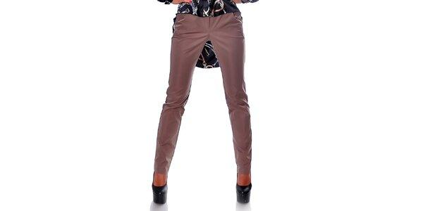 Dámské rovné hnědé kalhoty s úzkými nohavicemi Caramella Fashion
