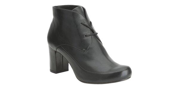 Dámské černé kotníčkové boty Clarks