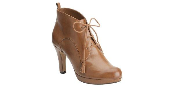 Dámské velbloudí kotníčkové boty Clarks