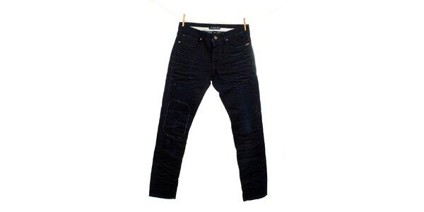Pánské tmavé džíny se záplatou Fuga