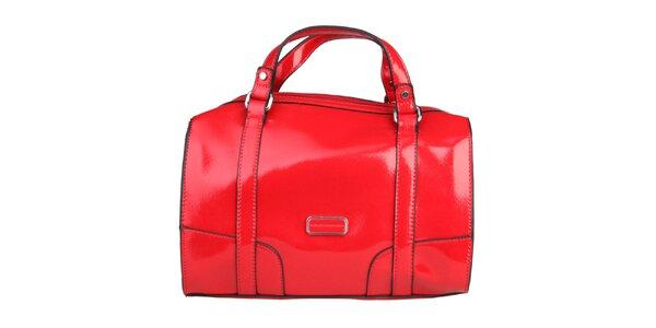Dámská červená lakovaná kabelka s černými lemy Benetton