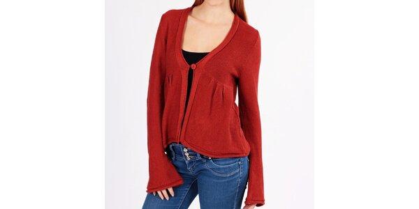 Dámský cihlově červený svetr s knoflíkem Emma Pernelle