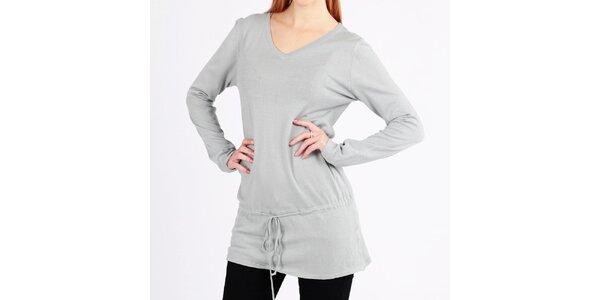 Dámský dlouhý šedý svetr s tkaničkou Emma Pernelle