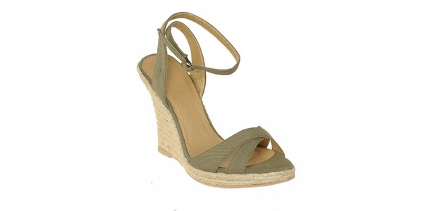 Letní obuv značky Vkingas na jutovém klínu v zelené barvě