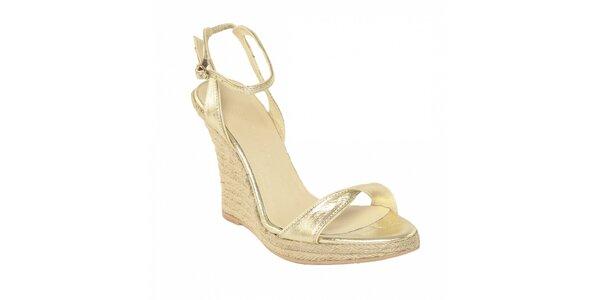 Dámská letní obuv značky Vkingas na jutovém klínu ve zlaté barvě