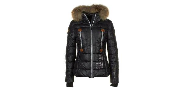 Dámská černá bunda s prošíváním a liščí kožešinou na kapuci E2KO