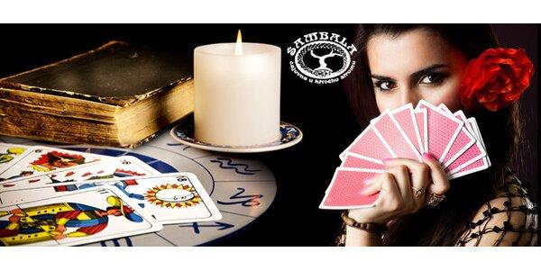Tarotový výklad budoucnosti u zkušené kartářky