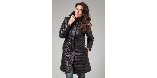 Dámský černý zimní prošívaný kabát More Down Eight