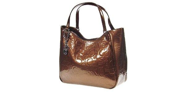 Dámská hnědá kabelka v lesklém provedení Calvin Klein