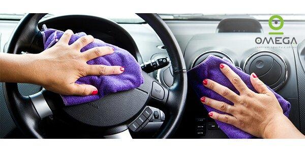 Kompletní ruční mytí a čištění interiéru vozu
