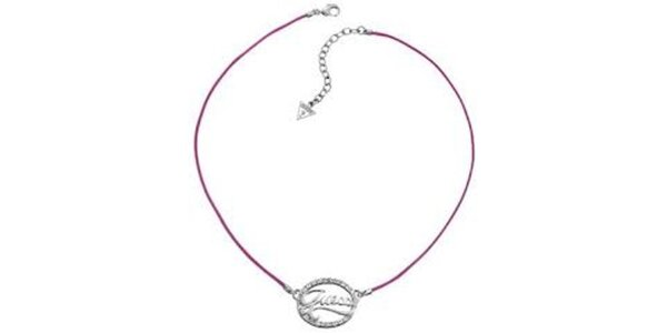 Dámský náhrdelník s nápisem a růžovou tkaničkou Guess