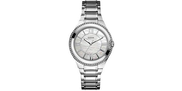 Dámské ocelové hodinky osázené drobnými kamínky Guess