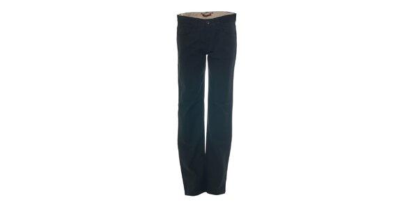 Černé kalhoty s kapsami