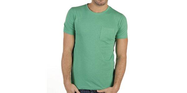 Pánské zelené tričko s náprsní kapsou New Caro