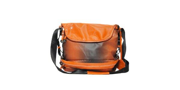 Kabelka sportovního typu značky Doca v oranžové barvě