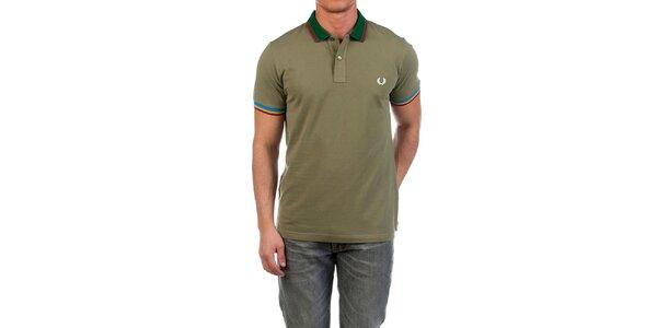 Pánské zelené polo triko s bílou výšivkou Fred Perry