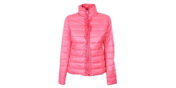 Dámská sytě růžová prošívaná bunda se stojáčkem a volánky Minority