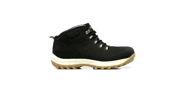 Kožené černé boty s bytelnou podrážkou Bustagrip
