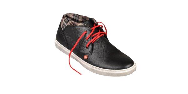 Černé boty s červenými tkaničkami Bustagrip