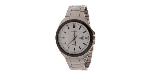 Pánské ocelové hodinky Casio s bílým ciferníkem