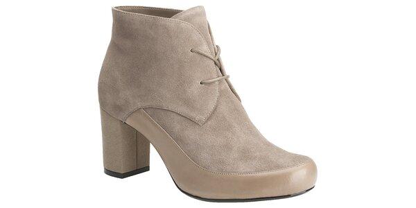 Dámské šedobéžové semišové boty Clarks