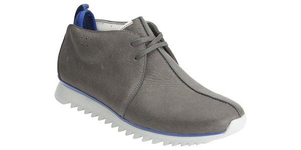 Šedivé kotníčkové boty Clarks