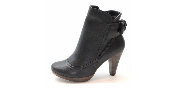 Černé kotníčkové boty s mašlí Xti