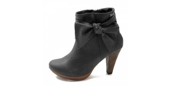 Černé boty s mašlí Xti