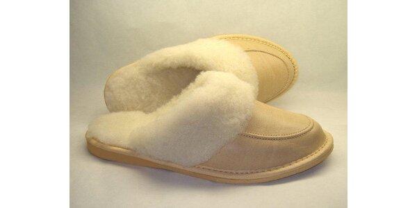 Dámské pantofle krémové s nízkým podpatkem (37)