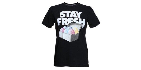 Pánské černé tričko s krátkým rukávem a potiskem Nike