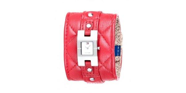 Dámské náramkové hodinky Tommy Hilfiger s červeným prošívaným řemínkem