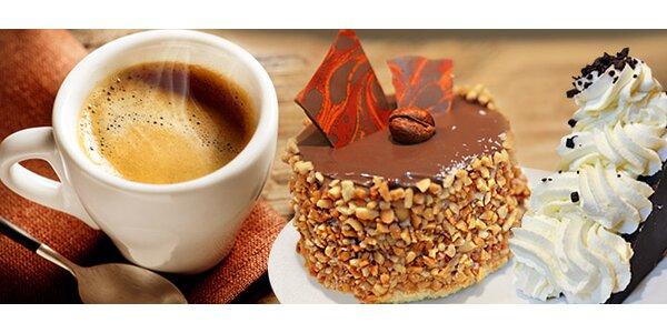 2 kávy a 2 dezerty v Beach Cafe na Vinohradech