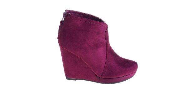 Dámské švestkově fialové boty Maria Barcelo na vysokém klínku