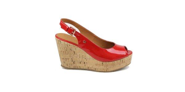 Dámské červené lakované boty na klínku Cubanas Shoes