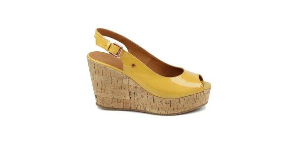 Dámské žluté lakované boty na klínku Cubanas Shoes