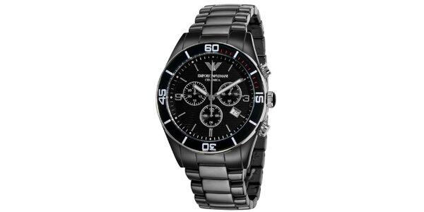 Černé hodinky s chronografem a datumovkou Emporio Armani