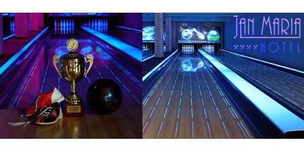 140 Kč za hodinový pronájem jedné bowlingové dráhy pro 2-8 hráčů. SLEVA 50%