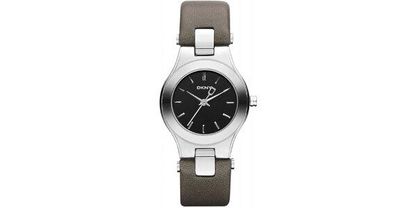 Dámské hodinky s šedým páskem DKNY