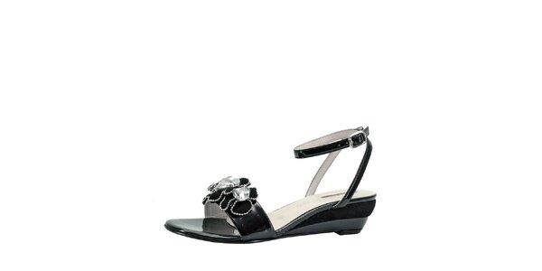 Dámské černé sandálky na klínku s květinami Roberto Botella